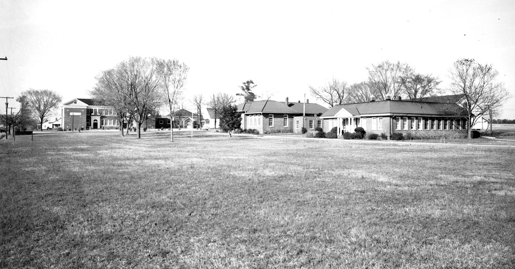 lowesgroveschool_1950s.jpg