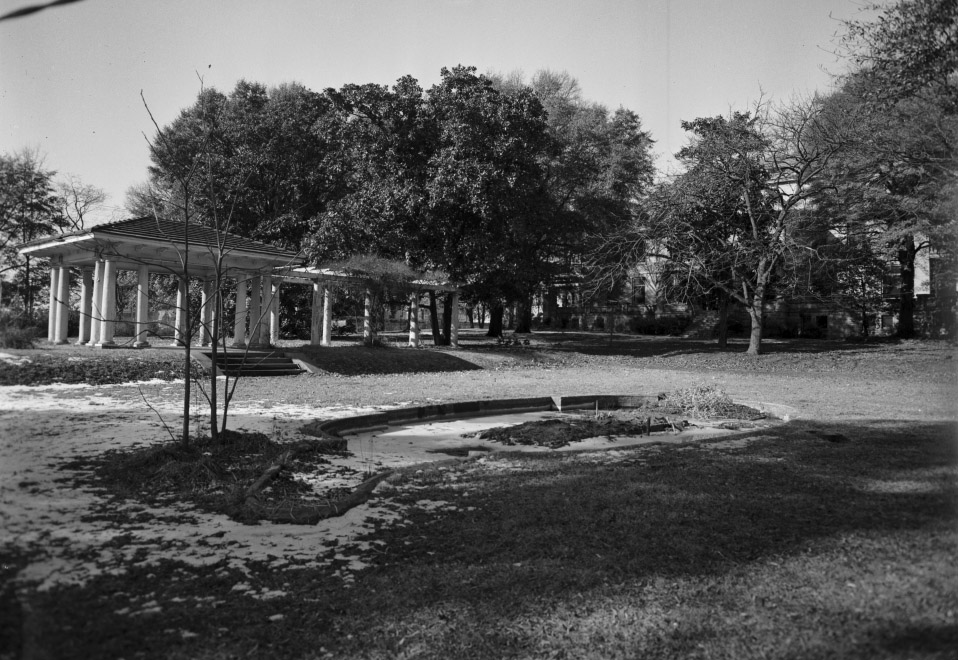 FourAcres_rear_013161.jpg